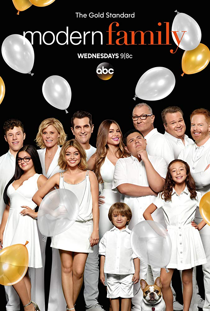 Modern Family - Season 10 Episode 15 - SuperShowerBabyBowl