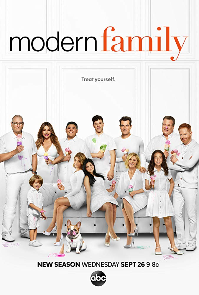 Modern Family - Season 11 Episode 4 - Pool Party